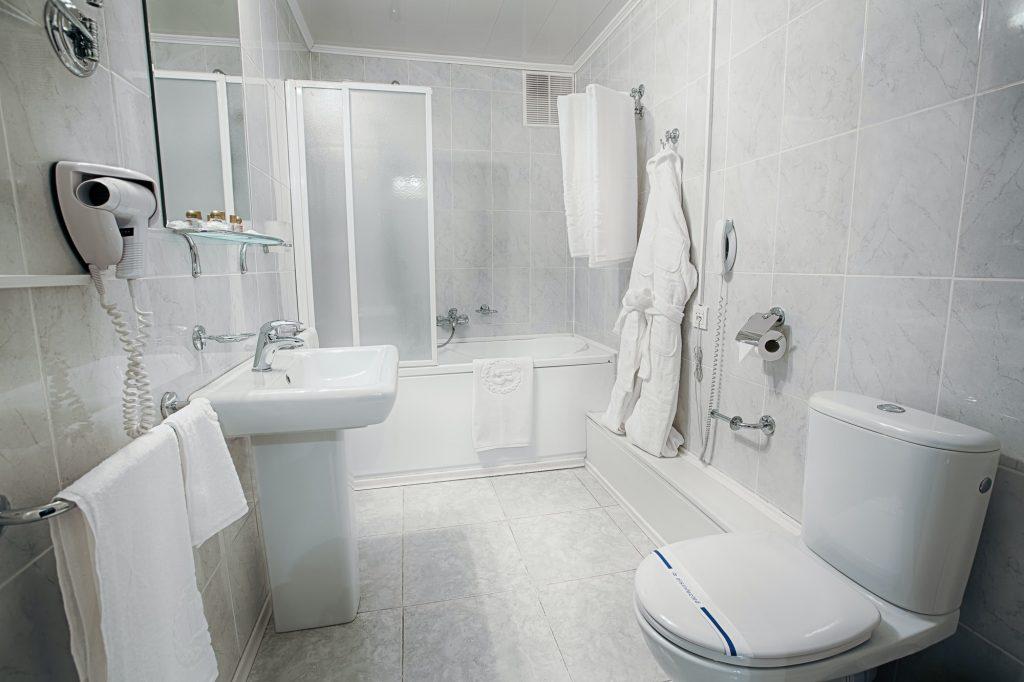 Interior of a modern hotel bathroom.